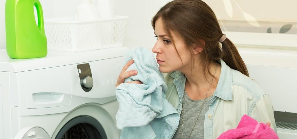 śmierdzi z pralki