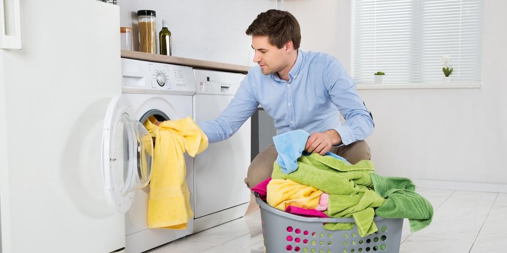 pralka w zabudowie w kuchni